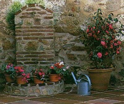 Decoraci n con macetas florister a for Maceteros rusticos para jardin